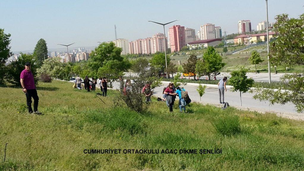 Cumhuriyet Ortaokulu Ağaç Dikme Şenliği 1524827271 355